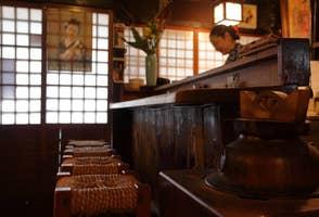 """真矢みきが通う京都・木屋町「れんこんや」。幸せな""""いけず""""にもう一杯、もう一品が止まらないの画像"""