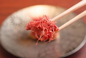 """橋本マナミがデートで""""落ちた""""「加藤牛肉店」に学ぶ。本気デートの店選びに必要な3つの条件の画像"""
