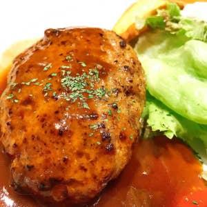 637b3e41bf6b 名古屋駅でランチと言えば、洋食屋ロンシャンですよね。 ここのカニクリームコロッケが大好きなんです。 一番理想のカニクリームコロッケです。