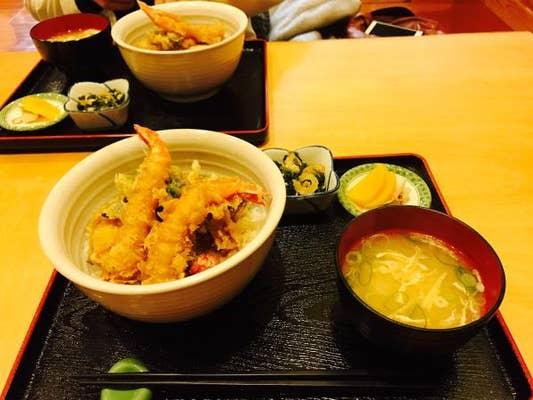 天ぷら処 こさか「西区の新潟大学そばの天ぷら屋さんです、玄関で靴を脱」:西区