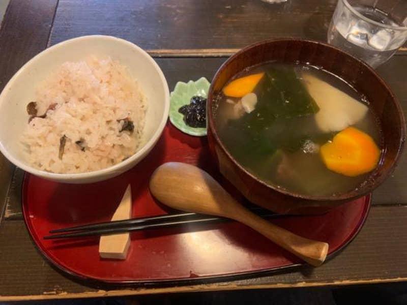 民芸喫茶 ポロンノ「ユックセット、ユック丼、アマムカレー ...
