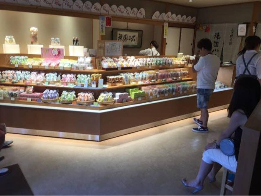 京都名物の京飴がメインのお店ですが、抹茶スイーツも人気です。/Kana Mtymさんの投稿より