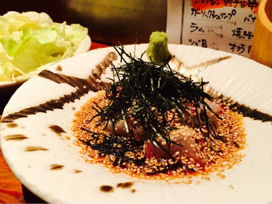 『カンパチの博多ゴマサバ風(800円)』。博多料理が多く揃う居酒屋です。/y.kominamiさんの投稿より