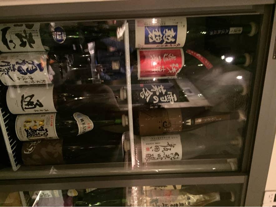 2000円でこんなに多くの種類の日本酒が飲み放題!安いですね!/Tomoyo Miyagiさんの投稿より
