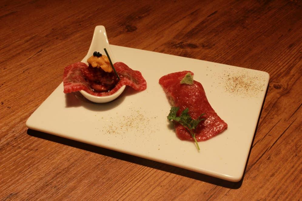 ▲うしみつユッケと炙り握り寿司の盛合せ