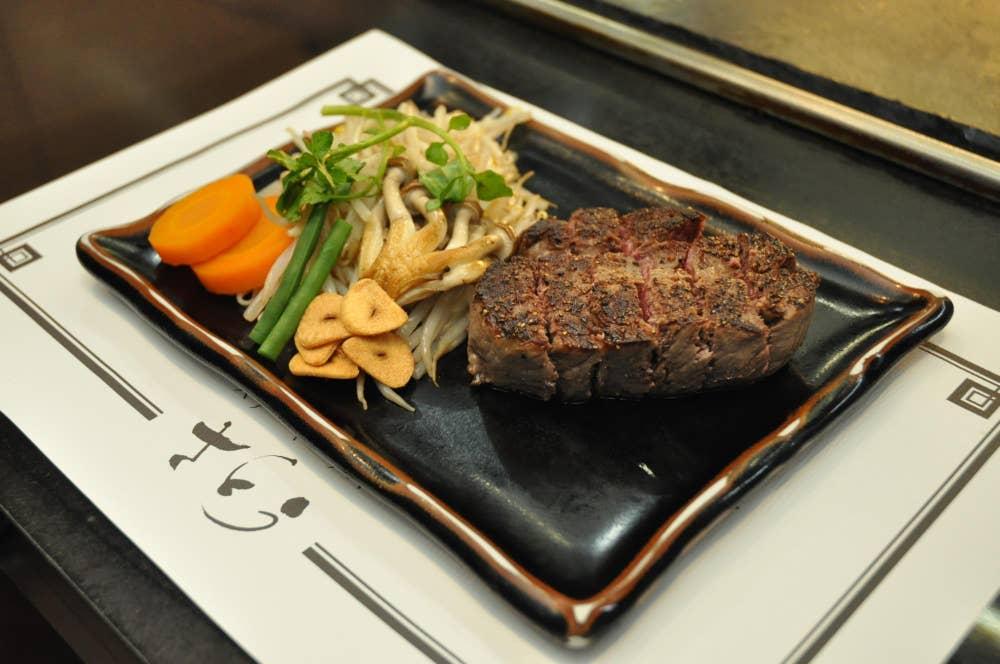 ▲本日のさとう厳選ステーキ 7,000円(サラダ・ライス・味噌汁・お新香つき)