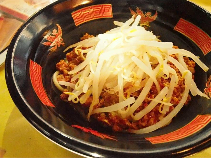 等々力陸上競技場で食べられる元祖ニュータンタンメン本舗のまぜタン(まぜそば風タンタンメン)800円