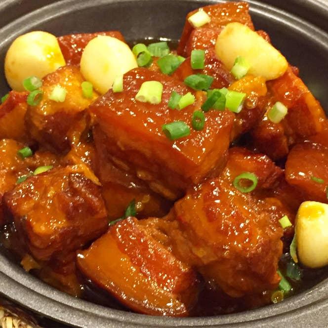 ▲毛家红烧肉(豚の醤油煮込み)