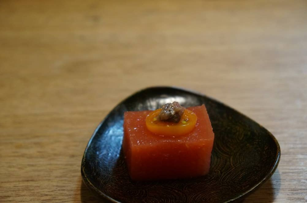 トマトだしの寄せもの、愛媛のアンチョビ乗せ