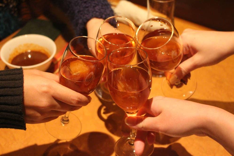盛り上がりはヒートアップし紹興酒で乾杯!