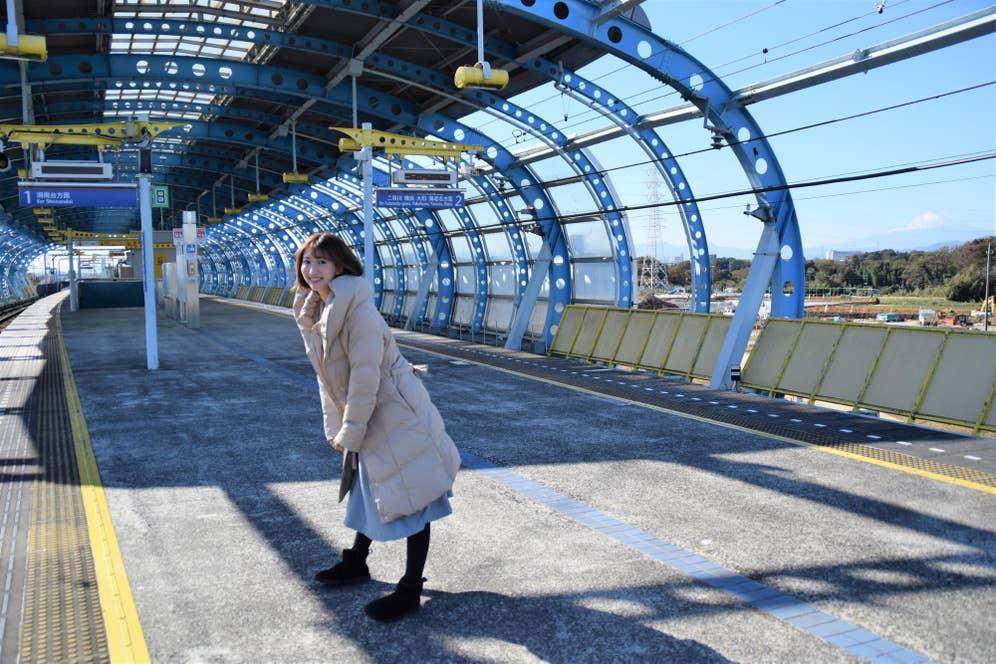 ▲電車出発の直後は人通りも少なく、絶好の撮影タイミング!