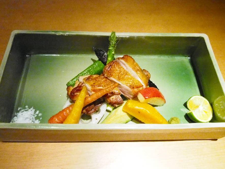比内地鶏 炭火焼 (1,890円)