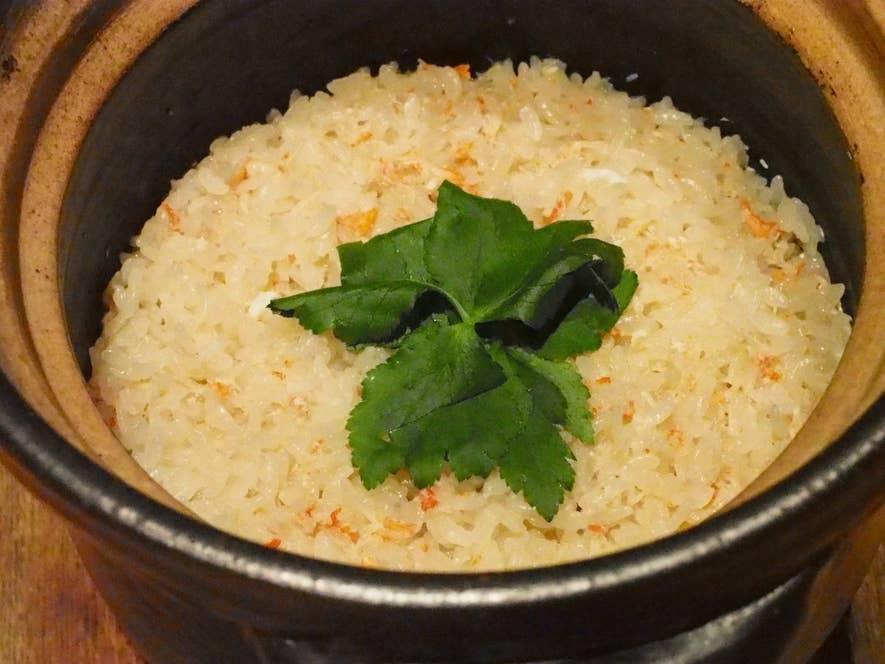 ずわい蟹の土鍋飯(2〜3人前 1,600円)