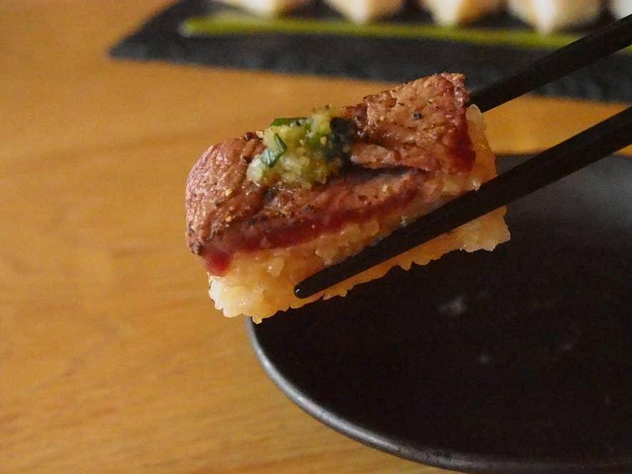 牛肉の炙り押し寿司