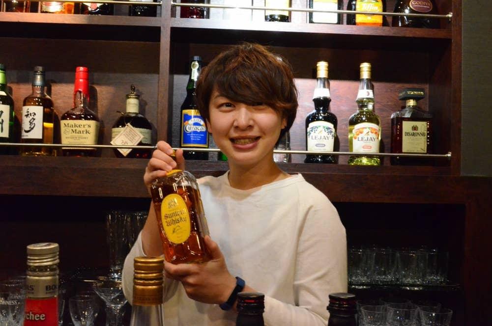 「旅する酒場 サカタビ」店主・八木彩香さん
