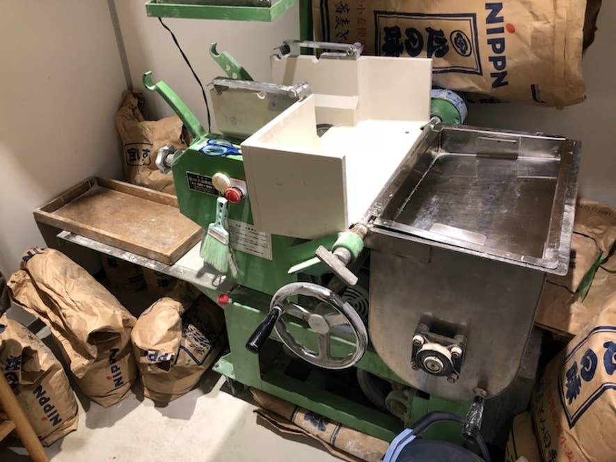 製麺機でこだわりの麺作り