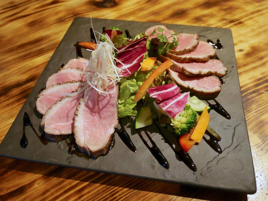マグレ鴨と合鴨の食べ比べ 1500円(税抜)