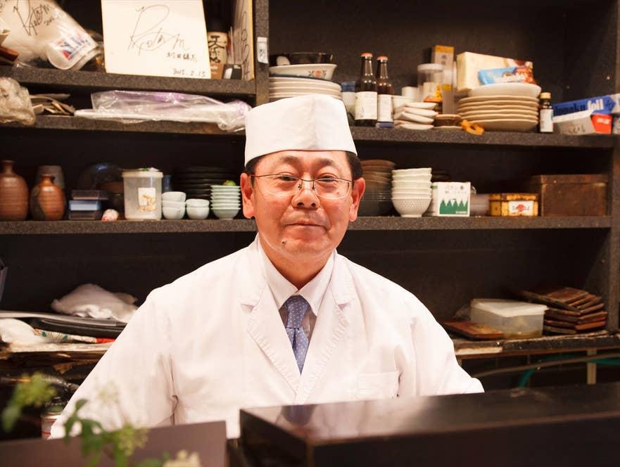 4代目の遠藤暁さん。取材後すぐ、タイ・バンコク支店の視察へと旅立っていった