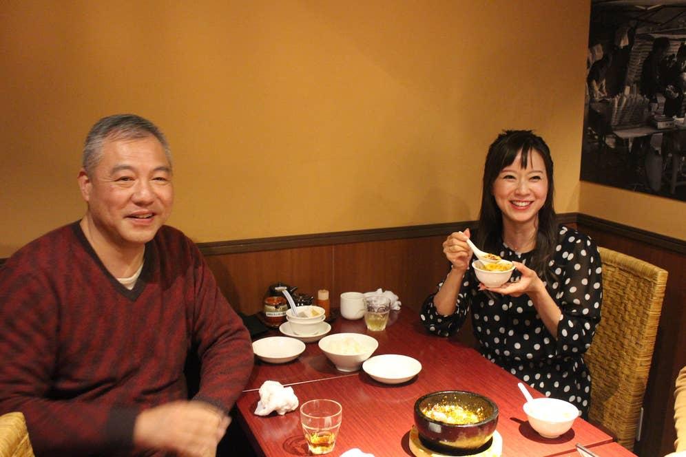 左が「陳家私菜」の陳龐湧オーナー