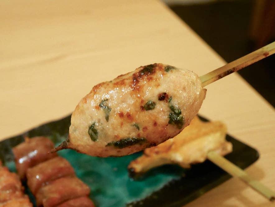 KUSHINAKA自慢の一品「紫蘇つくね」