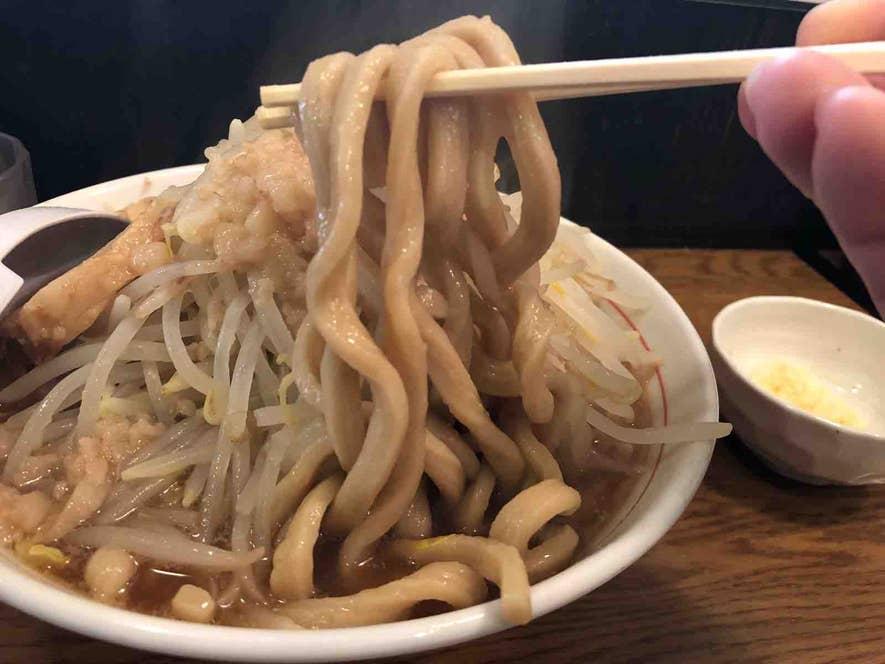 超極太な麺