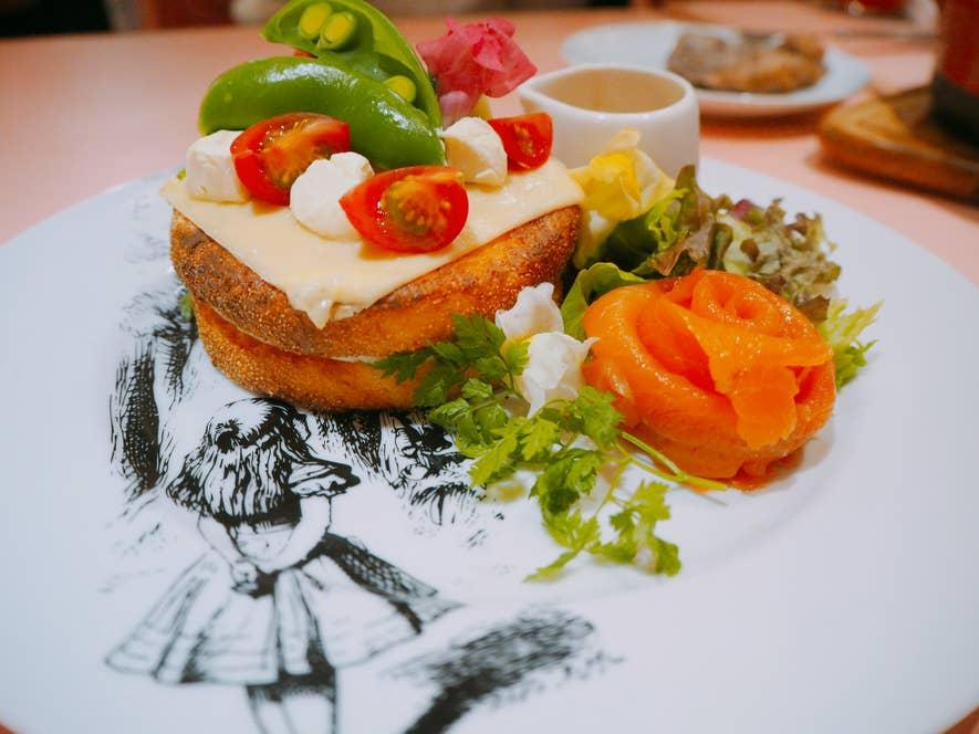 おしゃべり花のガーデンサンド~イングリッシュマフィンのフレンチトースト(1,100円)