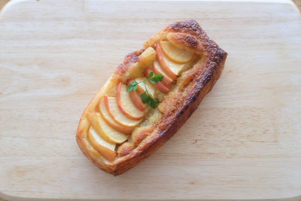 焼きリンゴのデニッシュ(230円)