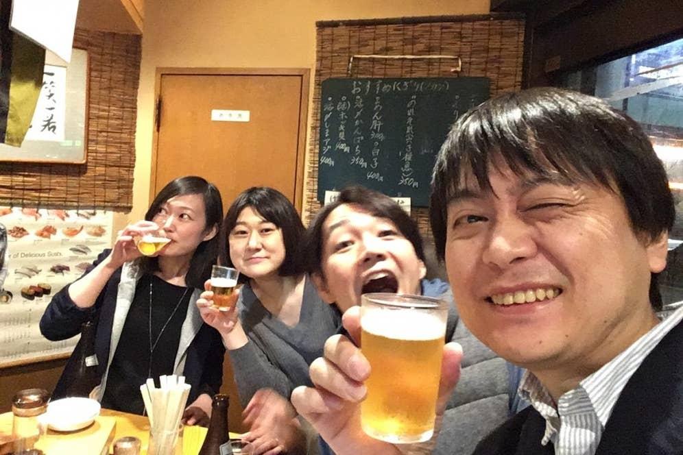 ▲最終日に宮脇さんが都々井さんを訪れたときの記念写真