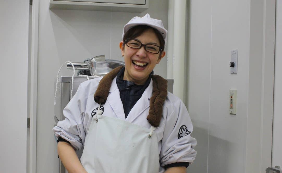 豊川陽子さん。地元スーパーの店長を退職して、上川大雪酒造へ