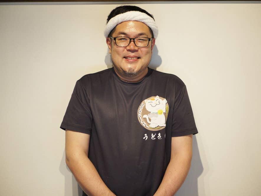 ▲こちらが店主の倉田將昭さん。試作した麺は振り返れば数知れず(「100は超えているかも」と倉田さん)