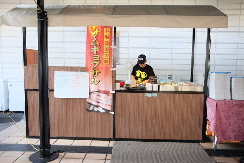 サムギョプサル&ダッカルビ食べ放題の屋台