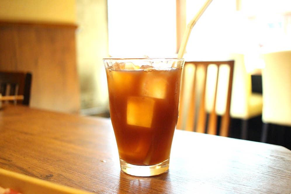 黒烏龍茶(100円)