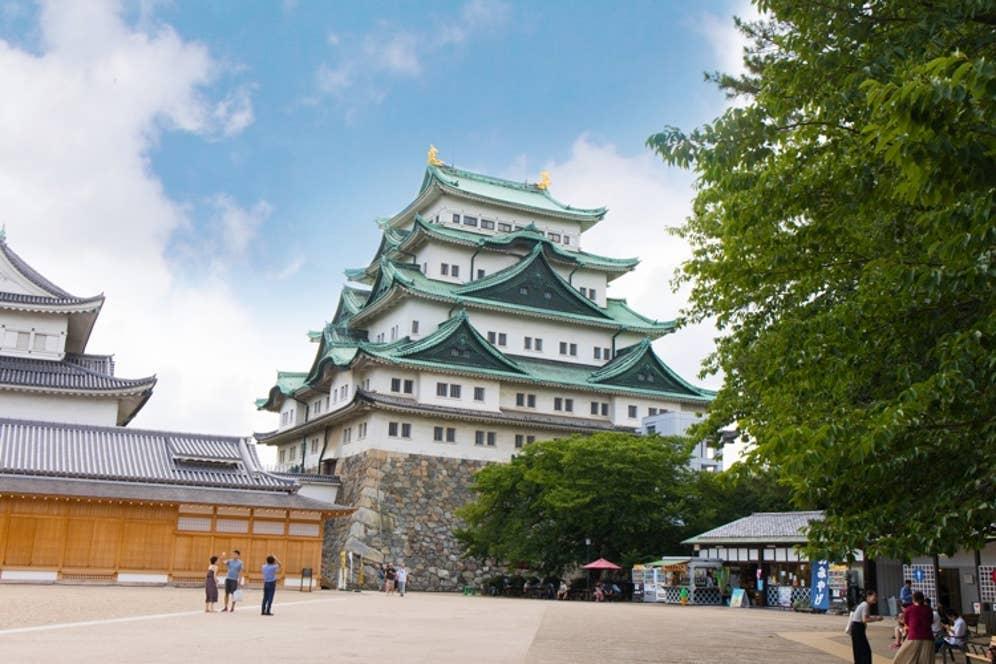 名古屋といえば名古屋城。国内外から多くの観光客が足を運んでいます。