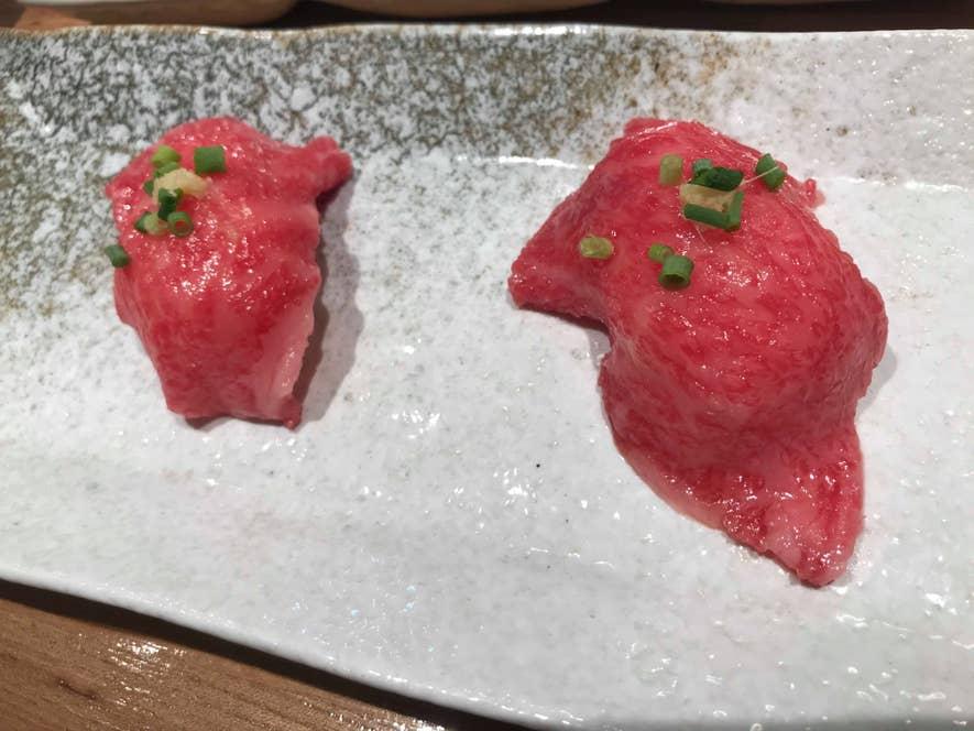 肉寿司960円(二個)