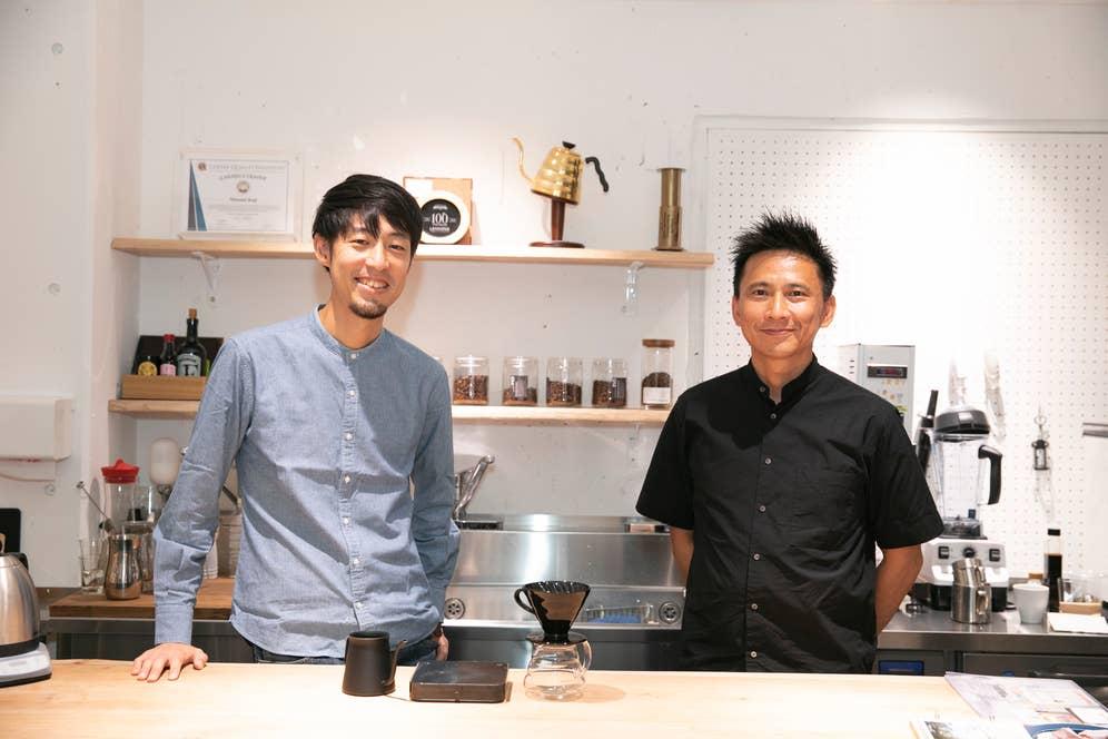 写真左は、株式会社Philocoffeaの共同代表でワールドブリュワーズチャンピオンの粕谷哲さん。