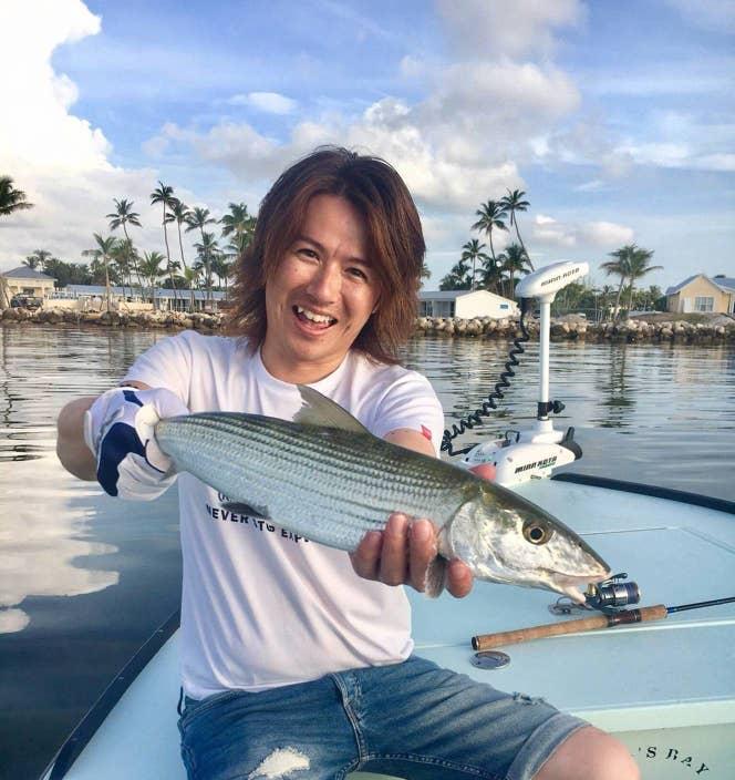 釣り人の憧れとも言われる、ボーンフィッシュ。美味しそう、と思ってググったら「白身魚30%にドロを30%、甲殻類を30%を混ぜたような味」とのコメントが…