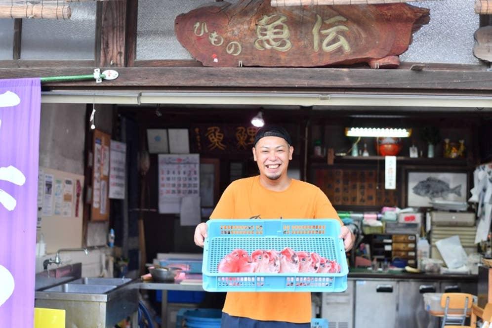 魚伝の五代目・青木良麿さん