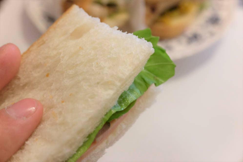 このパンの質感、写真で表現できないだろうか...
