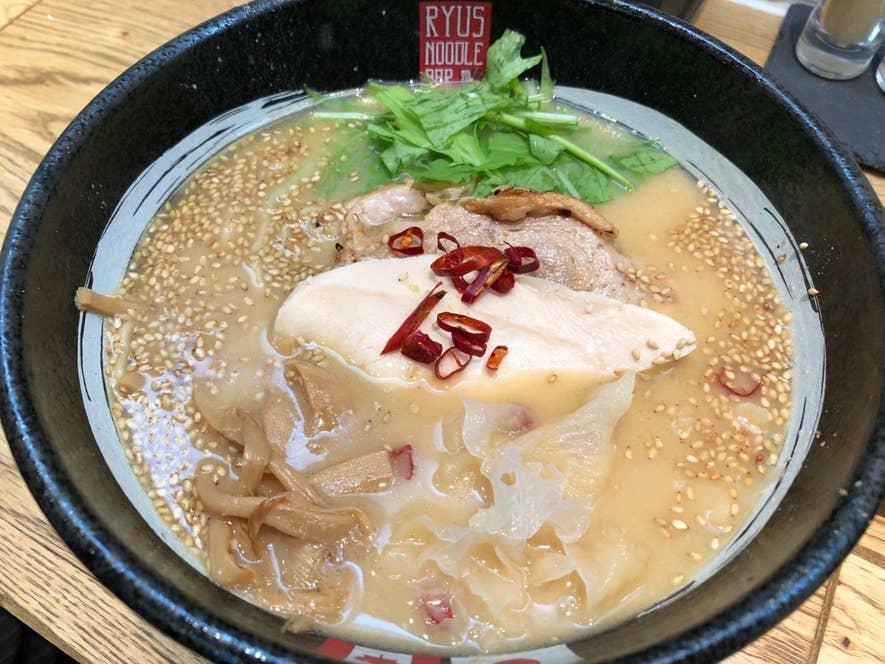 西京味噌薫る鶏白湯味噌ラーメン