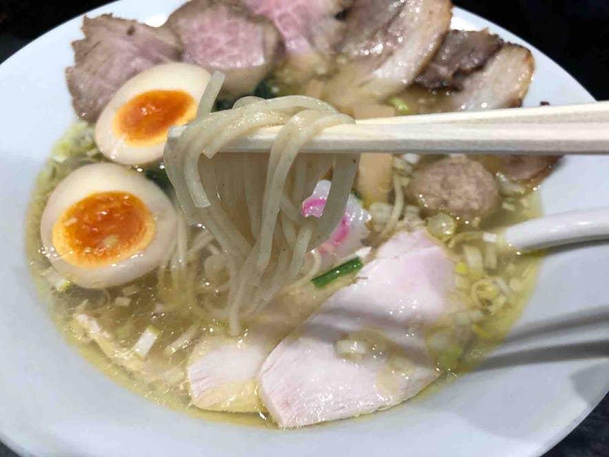麺は福島の羽田製麺