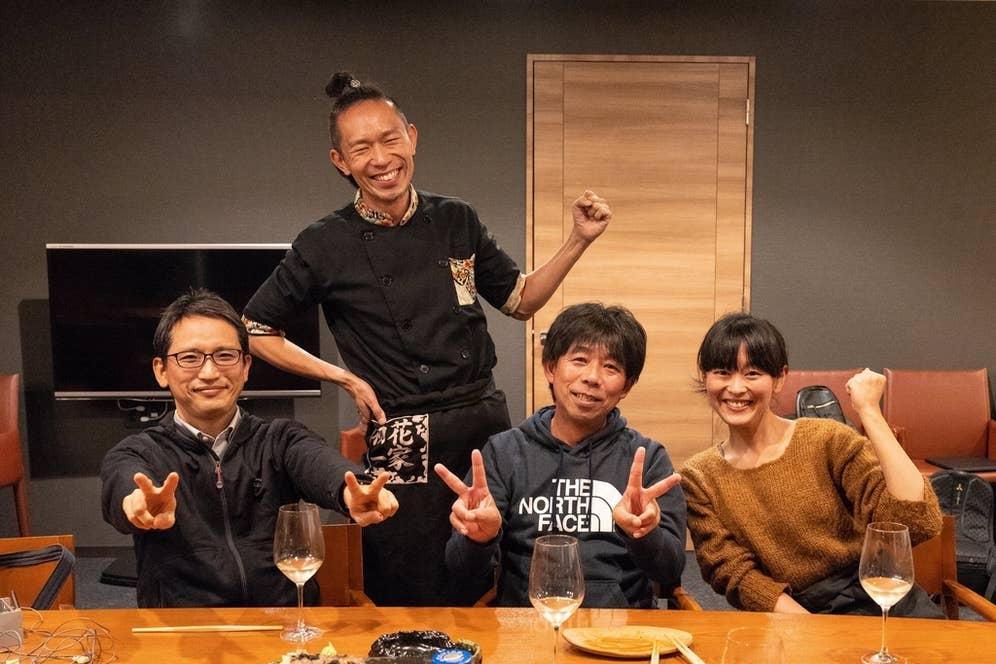 【左】物理学教授・蔭山健介先生【中央】ベジタブルデザイナー・武井敏信さん【右】日本酒アンバサダー・森田真衣ちゃん