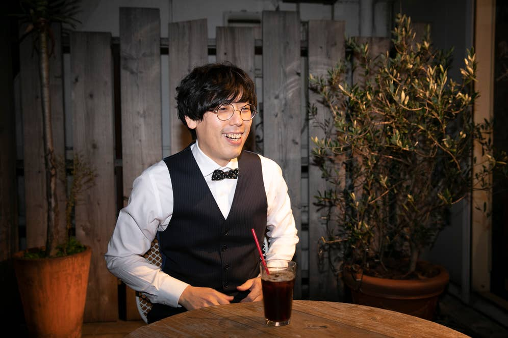 東急ハンズ渋谷店7階にあるハンズカフェのテラスにて撮影。コーヒーハンター、川島良彰氏のコーヒーがフレンチプレスで楽しめる