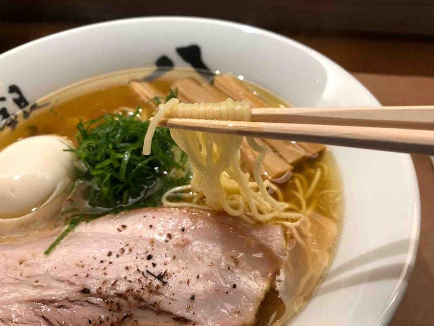 浅草開化楼の中細ストレート麺