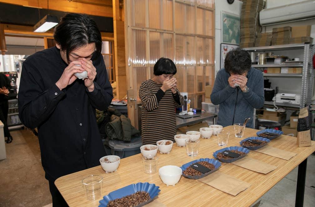 定期的にイベントも開催。この日は限定ブレンドコーヒー「シュガープラム」のカッピング体験会。ブレンドを構成している豆を別々に味わってもらい、どのような豆でブレンドが作られているかを知ってもらう目的で開かれた
