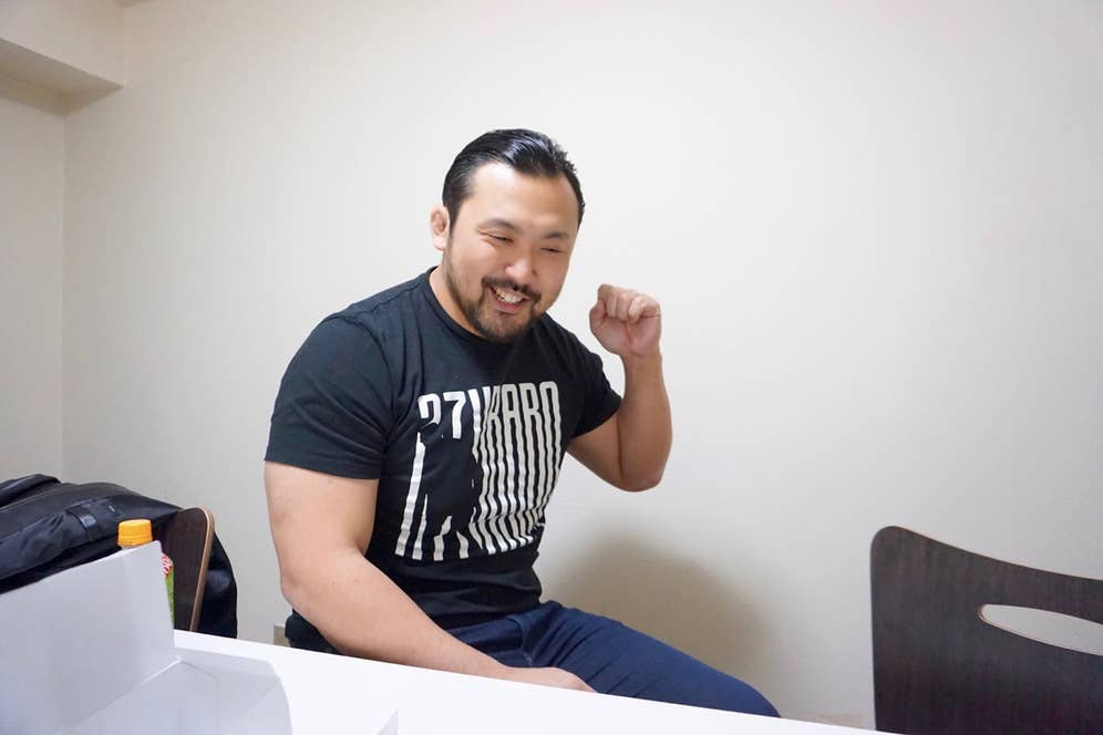 嬉々としてCMに登場するクマの真似をする鈴木秀樹さん。可愛すぎるでしょ…