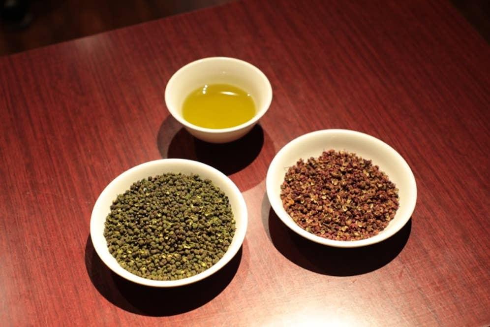 ▲「陳家私菜」自慢の3種の花椒(ホワジャオ)