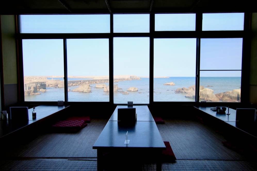 お座敷からは銚子の海が一望!