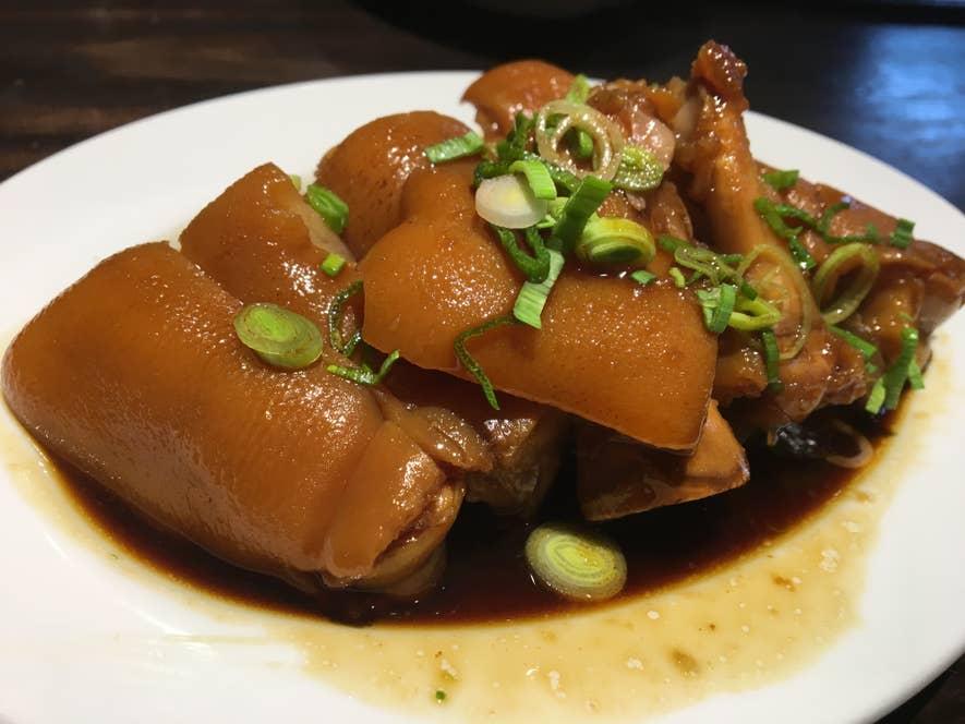 釘本食堂(福岡市)の台湾風煮込み豚足