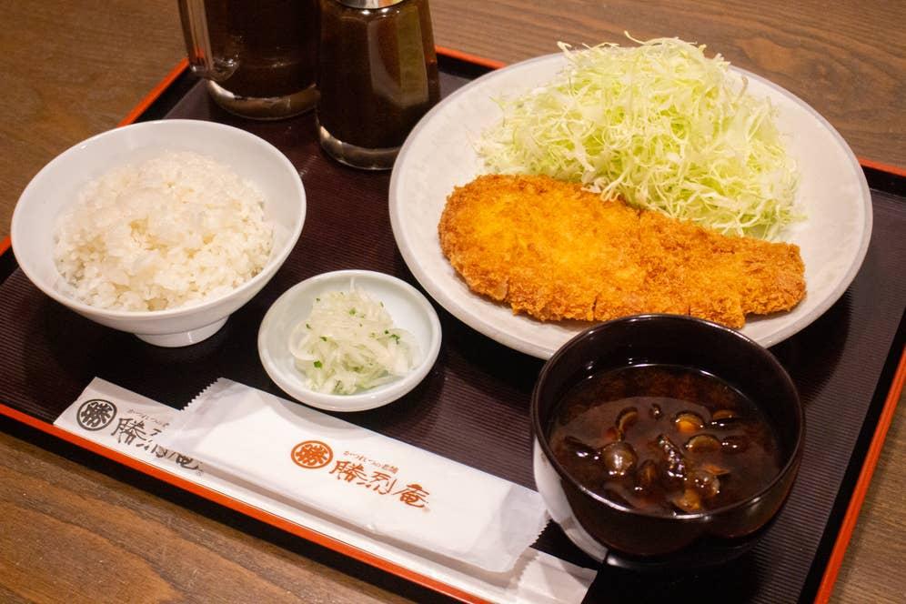 ▲ロースかつ定食 1,760円(税込)