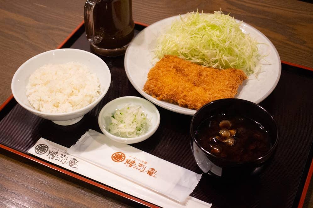 ▲勝烈定食(ヒレかつ) 1,760円(税込)